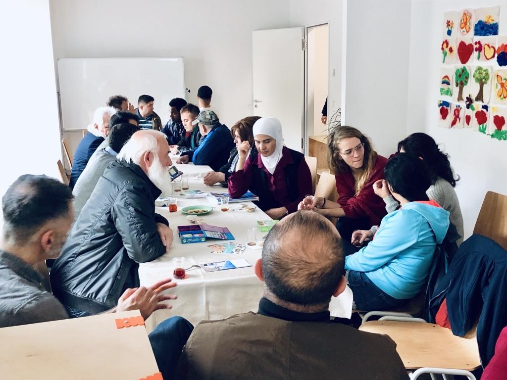 Begegnungs- und Sprachcafé in der Gemeinschaftsunterkunft Senftenberger Ring